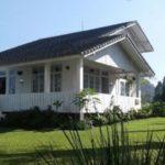 2 Design Unik Villa Putih Lembang