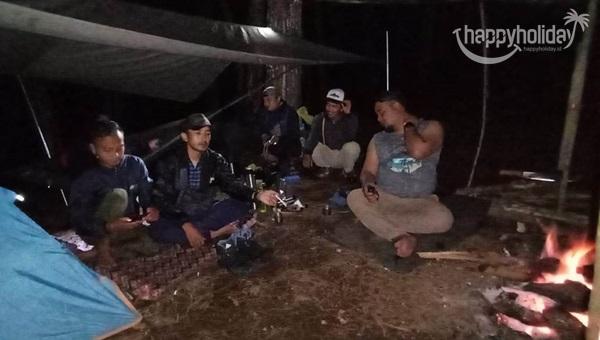 Suasana Malam Camp curug Layung