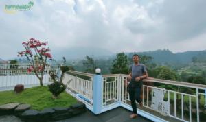 Villa Qmoz Istana Bunga Lembang